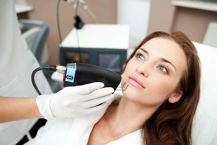 Laser frakcyjny CO2 w dermatologii – wskazania i przebieg zabiegu